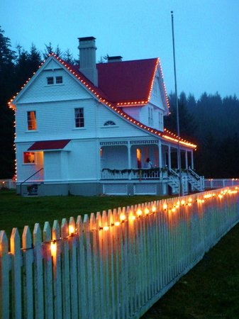 Heceta Head Lighthouse Bed and Breakfast: the BandB and the  Christmas lights