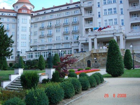 Hotel Imperial: Отель и часть территории