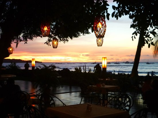 Hotel Tamarindo Diria: Bar looking out to ocean