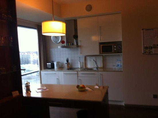 Staybridge Suites St. Petersburg: кухня