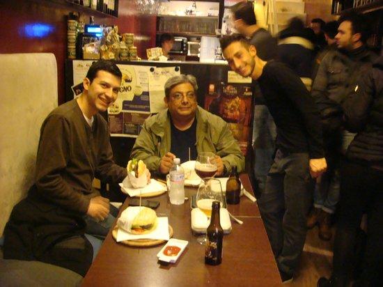 Emporio del Gusto : Foto ricordo con il nostro cameriere