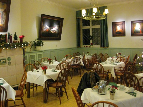 "Hotel Schlicker ""Zum Goldenen Loewen"": Breakfast room at the Schlicker"