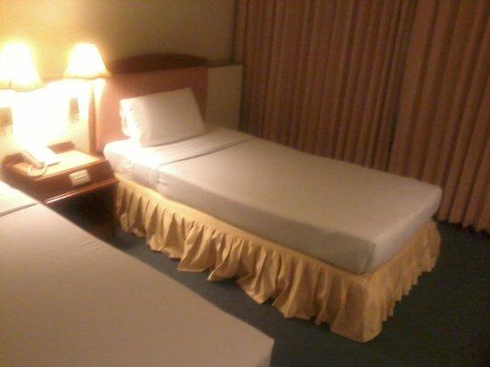 V.L. Hatyai Hotel: Beds