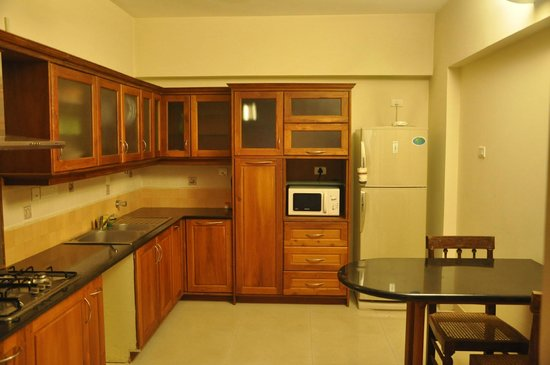 Transit Serviced Apartments : Fully Equipped Kitchen