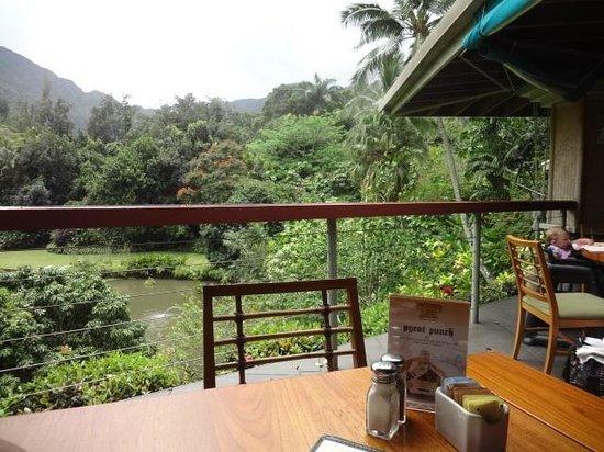 Haleiwa Joe's : table