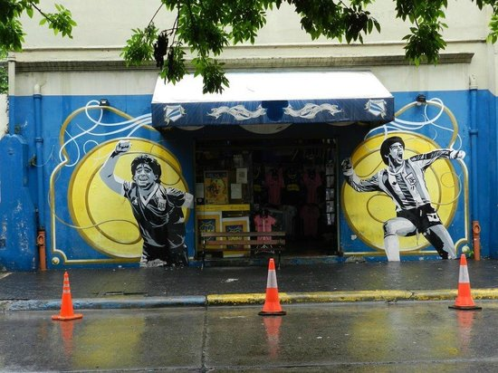 Livian Guesthouse: Street view in La Boca, Buenos Aires