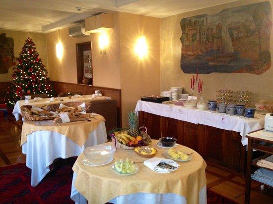 Hotel Walter au Lac: Il buffet della prima colazione in periodo d'Avvento