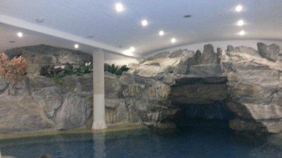 Alpen Hotel Weitlanbrunn: Zona piscina e spa