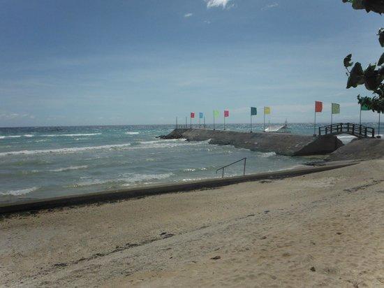 Flushing Meadows Resort & Playground : beach area