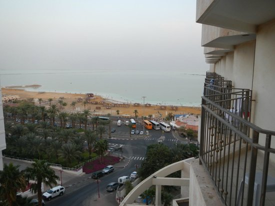 Royal Rimonim Dead Sea: View of Dead Sea from Room