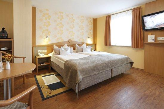 Hotel Pension Stern: Superiordoppelzimmer Garten-/Hofseite