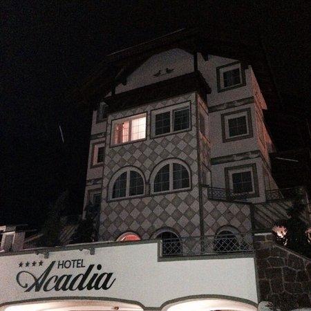 Hotel Acadia: L'esterno dell'albergo.