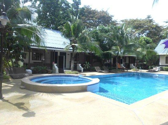 The Beach Garden Resort Pattaya: jolie vue des sortie de la cambre