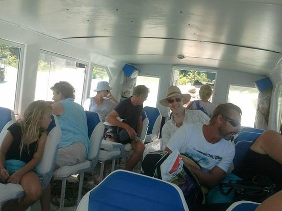 Mission Beach Dunk Island Water Taxi: Wow...what's everyone looking at?