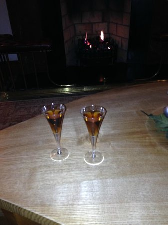 Inchydoney Island Lodge & Spa: Welcome Drink in Reception