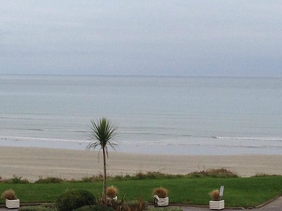 Inchydoney Island Lodge & Spa : Beach from Room