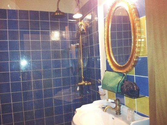 Hotel La Batia : Bad mit Dusche