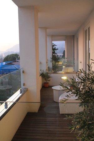Tobago Wellness Hotel: vista altri balconi