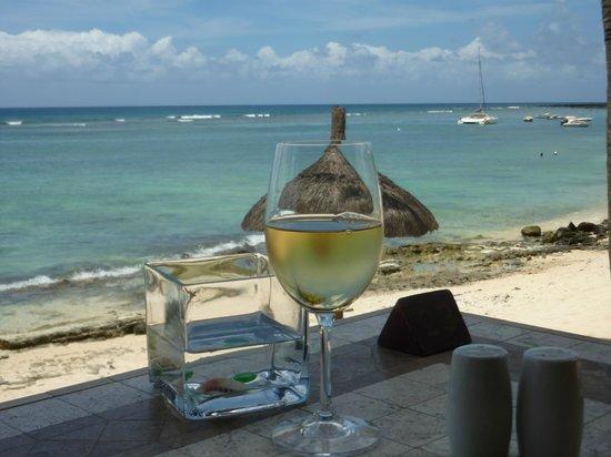 Le Meridien Ile Maurice : déjeuner les pieds dans l'eau