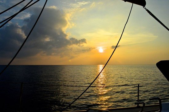 Island Cruises Sailing: Beautiful sunset from the boat