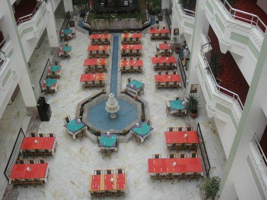Hotel Sunshine: ресторан