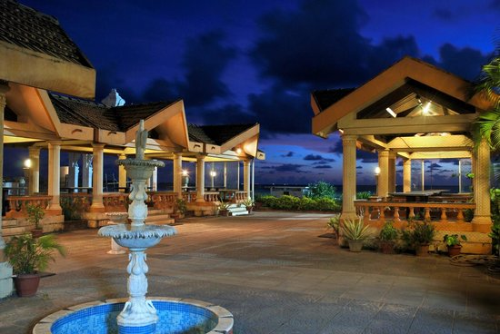 Paradise Isle Beach Resort Food Court