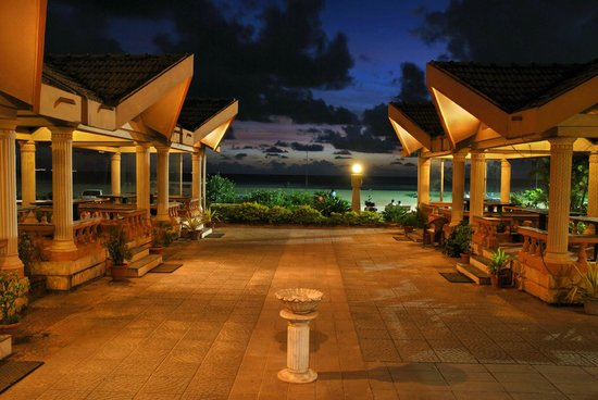 Paradise Isle Beach Resort