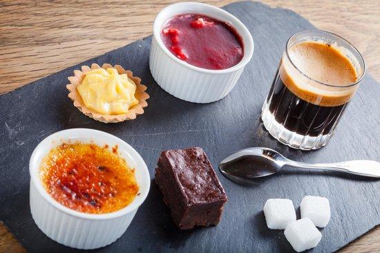 Les Voyelles: le café gourmand