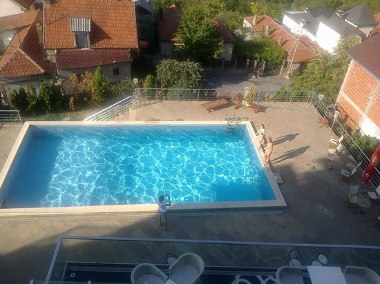 Hotel Aleksandar: Swimming pool