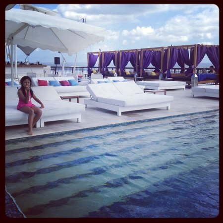 Lv8 Resort Hotel : The place is all hers ;)
