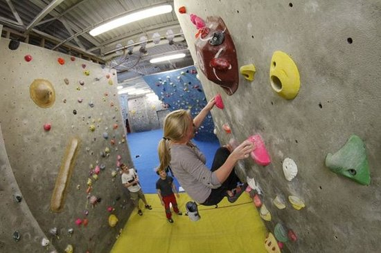 Durham Climbing Centre: Tunnel