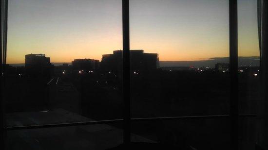 Hyatt Regency O'Hare: Another sunset view