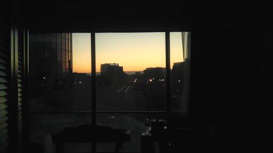Hyatt Regency O'Hare: My room view at sunset