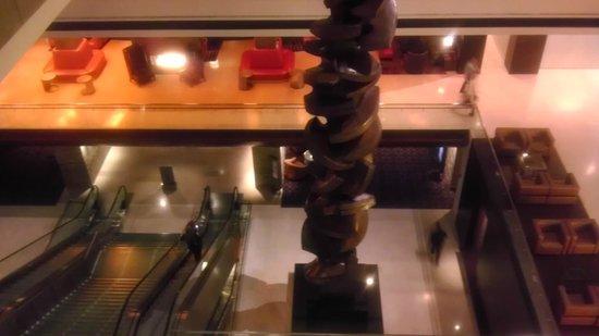 Hyatt Regency O'Hare: Another overhead view of atrium