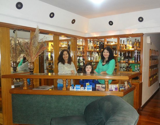 Apart Hotel Family: en el bar de la recepcion