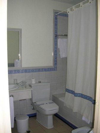 Hotel Oromana : Vue de la salle de bains