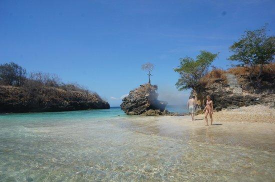 Gili Petelu Pink Beach