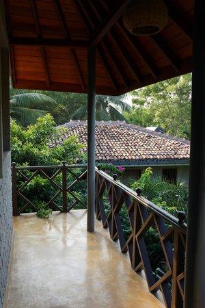 Mangrove Beach Cabanas & Chalets : Balcony Overlooking Lagoon