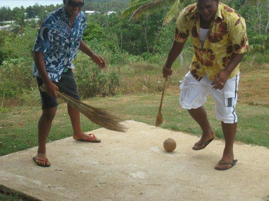Aitutaki Punarei Culture Day Tour: Game