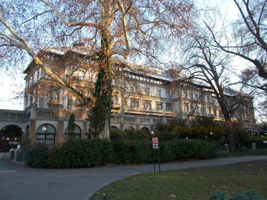 Danubius Grand Hotel Margitsziget : Здание отеля