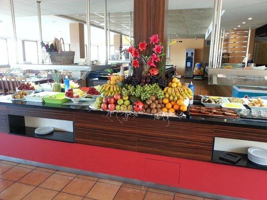 Buffet de desserts picture of restaurant gran buffet for Restaurant la jonquera