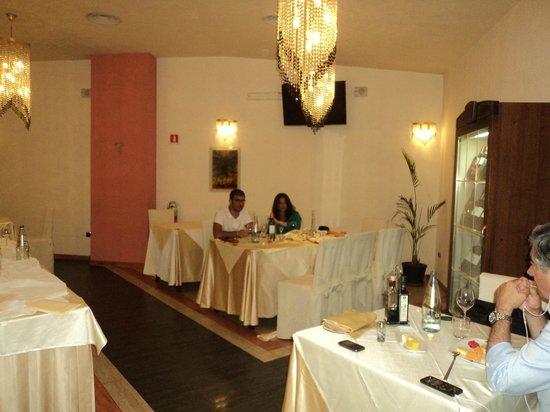 Albanuova Hotel: Comedor del Restaurante y desayunador