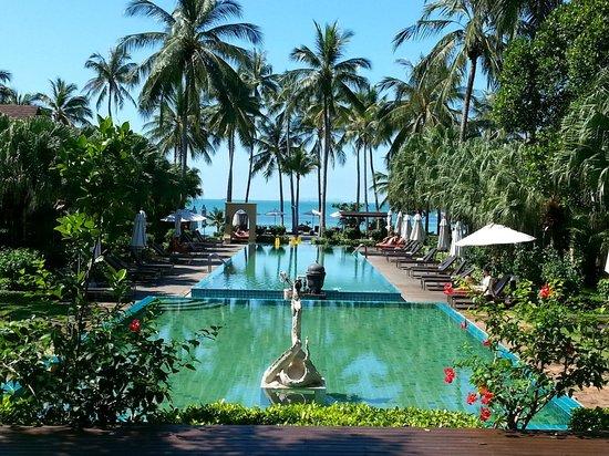 The Passage Samui Villas & Resort: Overlooking Main Pool