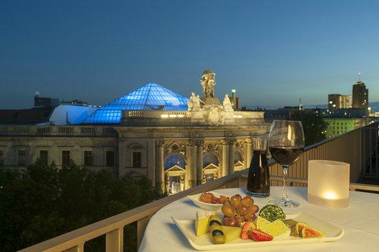 Junior suite mit balkon picture of nh berlin mitte for Kuche co berlin mitte