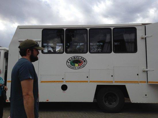 Chameleon Backpackers Hostel: Chameleon bus