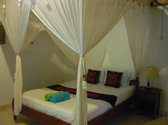 Geria Giri Shanti Bungalows: habitacion Gera giri shanti