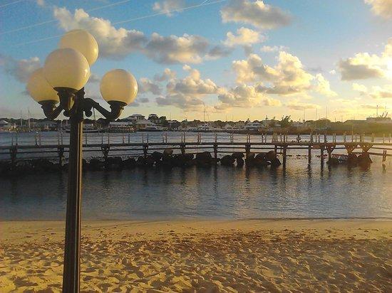 Paradise Island Harbour Resort All Inclusive: piscina natural