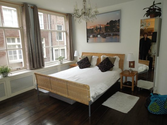 Amsterdam At Home : the bedroom