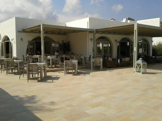 Saint Andrea Seaside Resort: View from poolbar