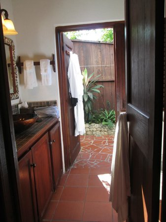Ti Kaye Resort & Spa: Bathroom (door opens to shower)
